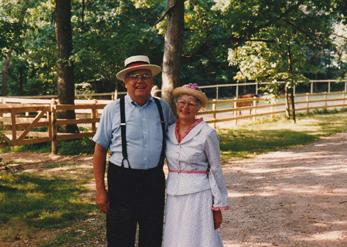 Lowell and Carolyn Larson